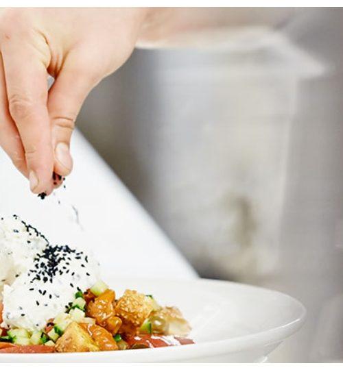 #cook4heroes: Τα εστιατόρια Cookoovaya, Basegrill και Travolta μαγειρεύουν για το προσωπικό των νοσοκομείων