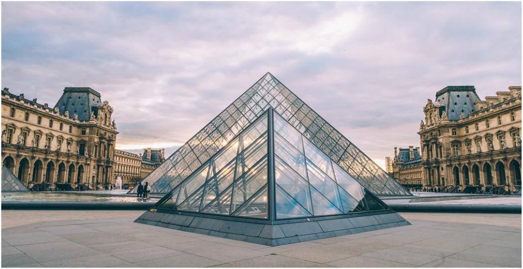 Ανοίγει ξανά το Μουσείο του Λούβρου